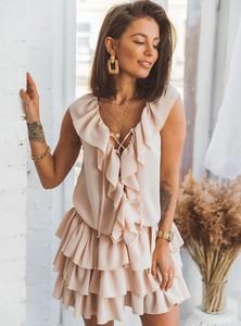 Sukienka SELFIEROOM bez rękawów z żabotem w stylu boho