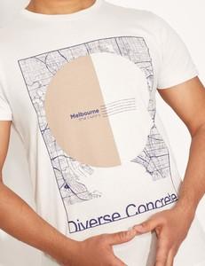 T-shirt Diverse z bawełny z krótkim rękawem w młodzieżowym stylu