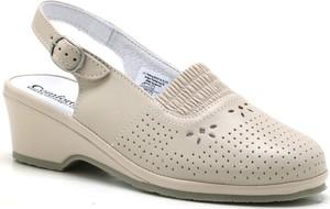 Sandały Comfortabel na średnim obcasie w stylu casual