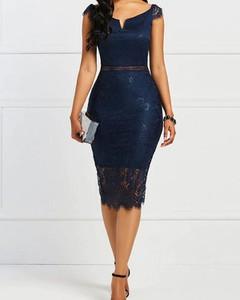 Sukienka Kendallme ołówkowa z okrągłym dekoltem