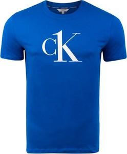 Niebieski t-shirt Calvin Klein z bawełny