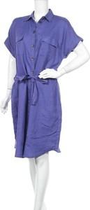 Fioletowa sukienka Devernois z krótkim rękawem w stylu casual koszulowa