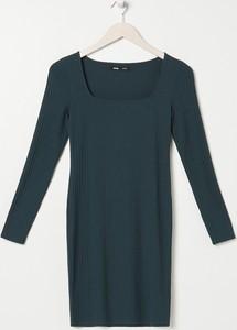 Sukienka Sinsay dopasowana w stylu casual mini