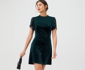 Sukienka Oasis mini z okrągłym dekoltem z weluru