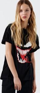 Czarny t-shirt Cropp z krótkim rękawem z okrągłym dekoltem