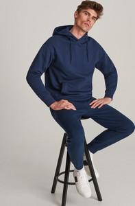 Granatowe spodnie sportowe Reserved z dresówki
