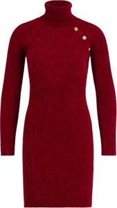 Czerwona sukienka Guess w stylu casual