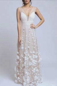 Sukienka Soky&Soka maxi z dekoltem w kształcie litery v
