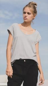T-shirt June 7.2 z krótkim rękawem z okrągłym dekoltem w stylu casual
