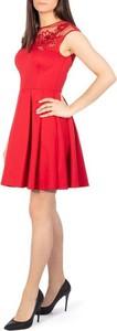 Sukienka Ted Baker rozkloszowana z okrągłym dekoltem mini