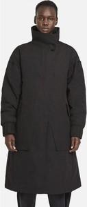 Czarny płaszcz Nike