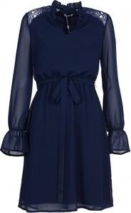 Sukienka VISSAVI z szyfonu oversize w stylu casual