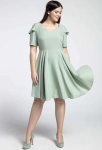 Sukienka Nommo rozkloszowana midi z krótkim rękawem