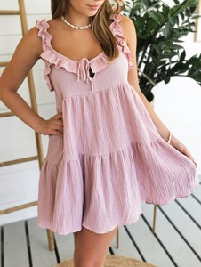 Różowa sukienka Perfe.pl mini oversize na ramiączkach
