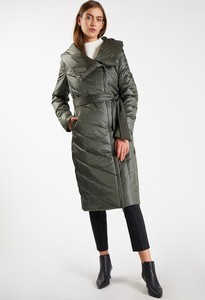 Zielony płaszcz Monnari