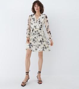 Sukienka Mohito trapezowa w stylu casual z szyfonu
