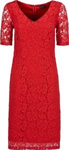 Czerwona sukienka bonprix BODYFLIRT dopasowana midi w stylu boho