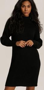 Czarna sukienka Renee dopasowana w stylu casual mini