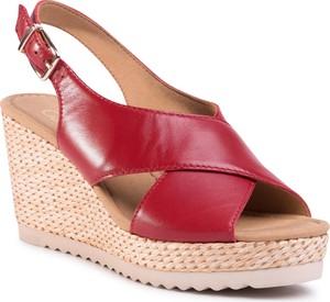 Czerwone sandały eobuwie.pl w stylu boho z klamrami z tkaniny