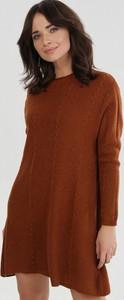 Brązowa bluzka born2be z okrągłym dekoltem z długim rękawem