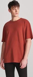 Czerwony t-shirt Reserved z krótkim rękawem z bawełny