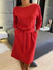 Czerwona sukienka ModnaKiecka.pl w stylu casual