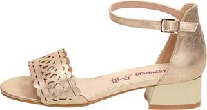 Sandały Suzana ze skóry z klamrami