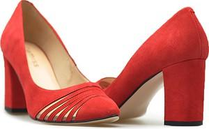 Czerwone czółenka DAMISS w stylu klasycznym na wysokim obcasie z zamszu