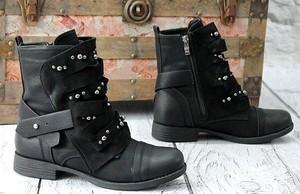 b1f69a9baae23 botki zara czarne - stylowo i modnie z Allani