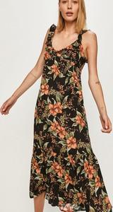 Sukienka Answear maxi z tkaniny z dekoltem w kształcie litery v