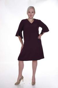 Fioletowa sukienka Fokus dla puszystych z długim rękawem