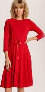 Sukienka Renee trapezowa w stylu casual midi