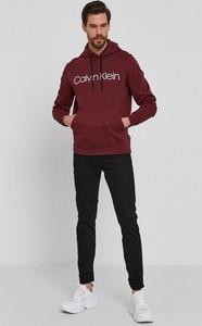 Czerwona bluza Calvin Klein w młodzieżowym stylu z bawełny