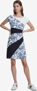 Sukienka Desigual z krótkim rękawem z okrągłym dekoltem