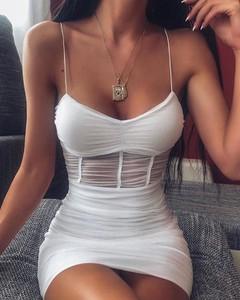 Sukienka Kendallme na ramiączkach dopasowana