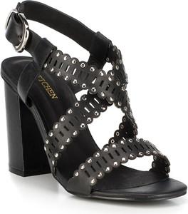 Czarne sandały Wittchen z klamrami na wysokim obcasie na obcasie