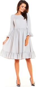 Sukienka Awama z okrągłym dekoltem rozkloszowana z długim rękawem