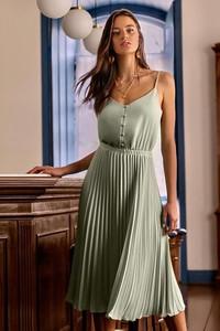 Sukienka Ivet.pl na ramiączkach w stylu casual