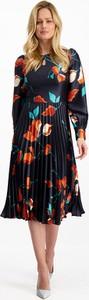 Sukienka Lavard z okrągłym dekoltem