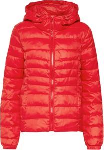 Czerwona kurtka Only krótka w stylu casual