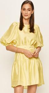 Sukienka Vero Moda w stylu casual z tkaniny z okrągłym dekoltem