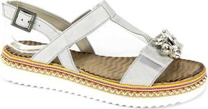 Sandały Carinii ze skóry z klamrami w stylu casual