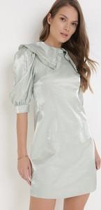 Miętowa sukienka born2be w stylu casual z okrągłym dekoltem z długim rękawem