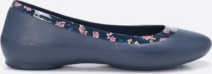 Niebieskie baleriny Crocs