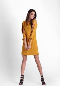 Żółta sukienka Ivon z okrągłym dekoltem mini w stylu casual