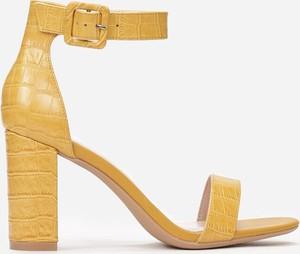 Żółte sandały Multu