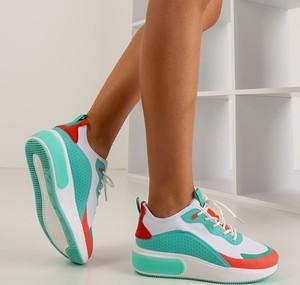 Miętowe buty sportowe Royalfashion.pl na platformie sznurowane