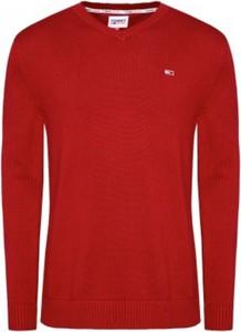 Czerwony sweter Tommy Jeans z bawełny