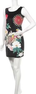 Sukienka 101 Idees mini z okrągłym dekoltem