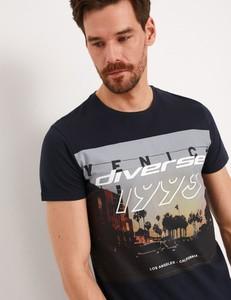 T-shirt Diverse z krótkim rękawem w młodzieżowym stylu z nadrukiem